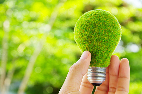 Passant par l'installation d'une thermopompe, voici les 10 étapes que vous pouvez suivre pour baisser votre consommation énergétique à Québec.