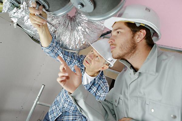 Engagez des professionnels pour nettoyer vos conduits d'aération, votre thermopompe, votre fournaise, votre échangeur d'air et votre climatiseur.
